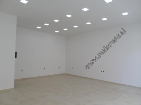 Store for rent in Kontakt Complex in Tirana, Albania (TRR-918-19E)