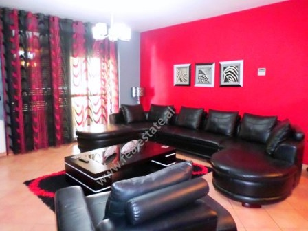 Apartament 3+1 me qera prane rruges Muhamet Gjollesha ne Tirane, (TRR-918-28d)