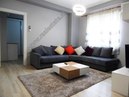 Dy apartamente 2+1 dhe 1+1 per shitje prane Qendres Kristal ne Tirane (TRS-918-30L)