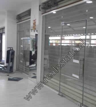 Dyqan per shitje prane rruges Asim Vokshi ne Tirane (TRS-918-34E)