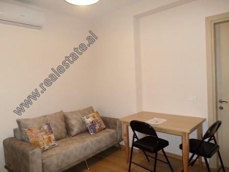 Apartament 1+1 me qera prane zones se Zogut te Zi ne Tirane (TRR-1018-6E)