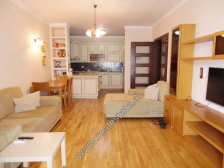 Apartament  2+1  me qera prane Qendres Kristal ne Tirane (TRR-1018-11L)