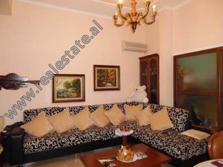 Apartament 2+1 ne shitje prane Gjimnazit Petro Nini Luarasi ne Tirane (TRS-1018-14E)