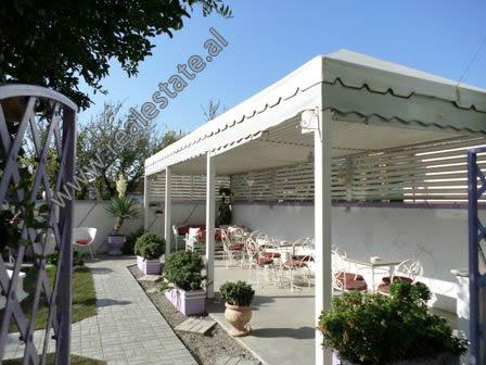 Lokal ne shitje ne zonen e Kasharit ne Tirane (TRS-1018-17E)