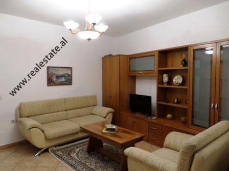 Apartament 1+1 me qera prane zones se Zogut te Zi ne Tirane (TRR-1118-59E)