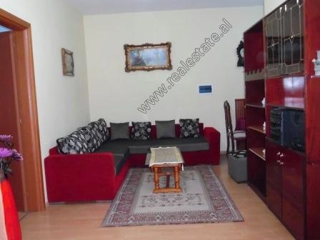 Apartament 2+1 me qera ne zonen e Don Boskos ne Tirane (TRR-1118-63L)