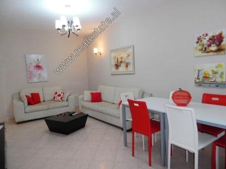 Apartament 2+1 me qera ne rrugen e Bogdaneve ne Tirane (TRR-219-3L)