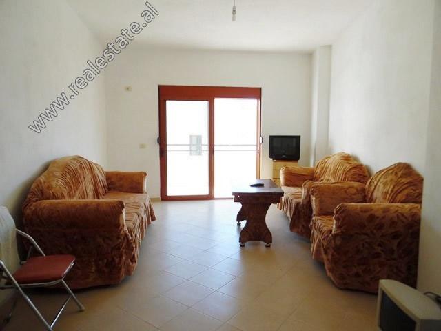 Apartament 1+1 per shitje ne zonen e Yzberishtit ne Tirane (TRS-319-30L)