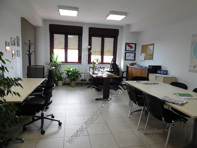 Office space for rent near Abdi Toptani street in Tirana, Albania (TRR-319-34T)