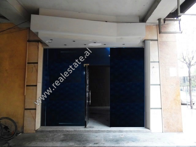 Store for rent in Zogu I Boulevard in Tirana, Albania (TRR-419-29L)