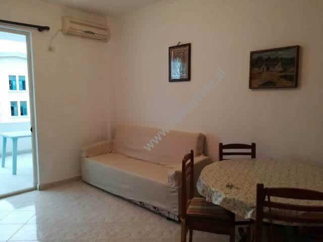 Apartament 1+1 per shitje ne zonen e plazhit ne Golem (GLS-419-1S)