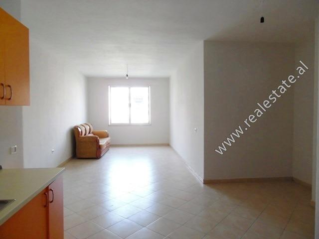 Apartament 2+1 per shitje ne zonen e Astirit ne Tirane (TRS-419-65L)