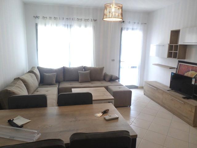 Apartament 2+1 ne zonen e Zogut te Zi ne Tirane. (TRR-519-14T)