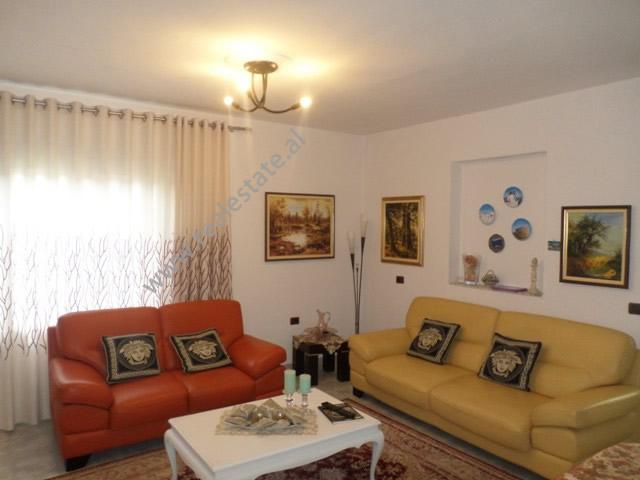 Apartament 2+1 per shitje prane stadiumit Dinamo ne Tirane (TRS-619-43S)