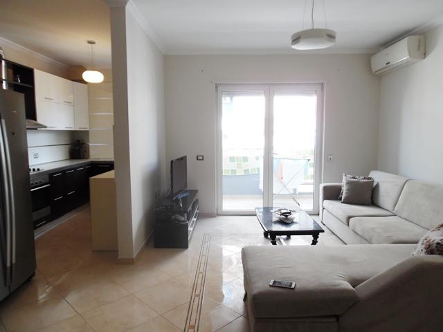 Apartament 2+1 me qera prane rruges se Elbasanit ne Tirane (TRR-619-44T)