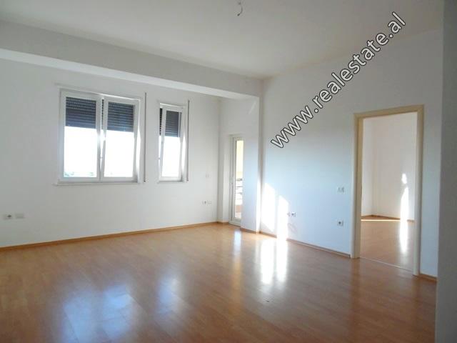 Apartament 2+1 per shitje ne rrugen 4 Deshmoret ne Tirane (TRS-819-30L)