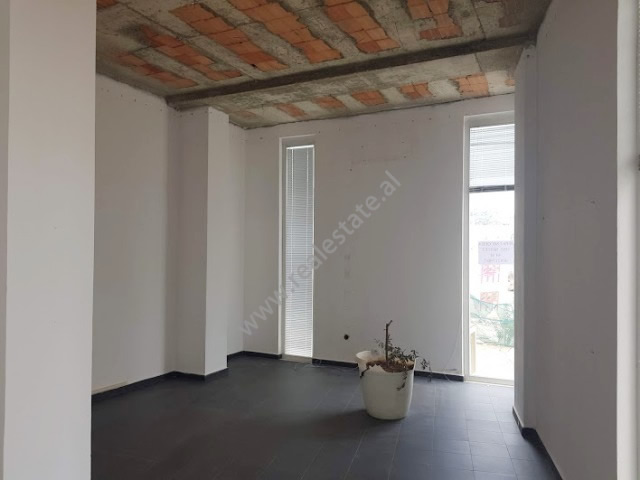 Store space for rent near the 21 Dhjetori area in Tirana, Albania (TRR-919-5S)