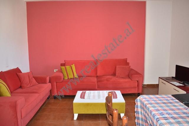 Apartament 1+1 me qira ne Bulevardin Zogu i I ne Tirane
