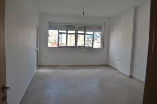 Apartament 2+1 per shitje ne zonen e Don Boskos ne Tirane