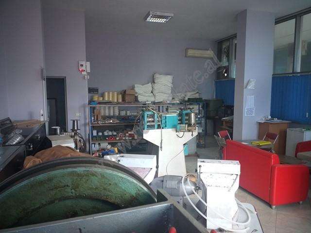 Dyqan per shitje ne rrugen Dritan Hoxha ne Tirane