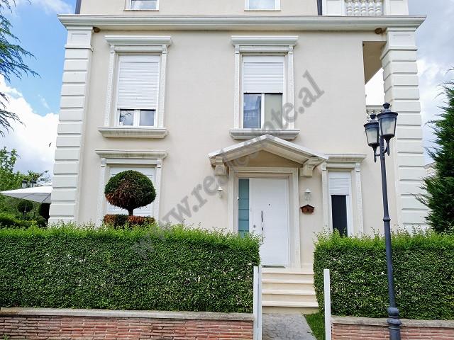 Vile per shitje ne rezidencen White Houses ne Lunder, Tirane