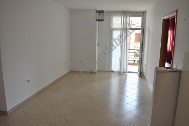Apartament 1+1 me qira prane rruges se Elbasanit ne Tirane