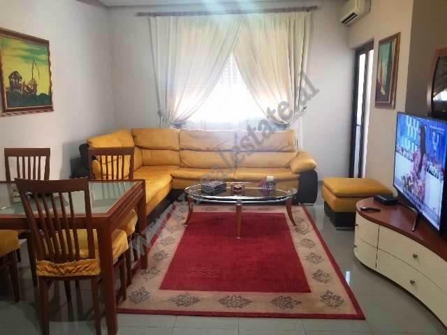 Apartament 3+1 per shitje prane rruges se Kavajes ne Tirane