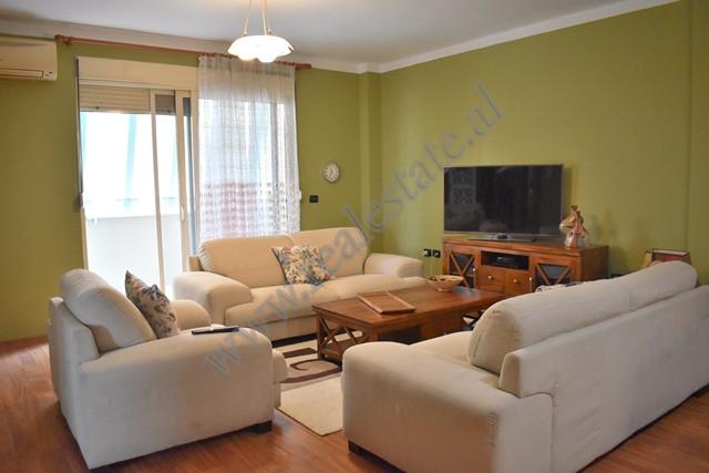 Apartament 2+1 me qira ne e rrugen Bogdaneve ne Tirane