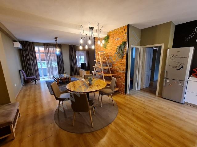Apartament modern me qira prane zones se Bllokut ne Tirane