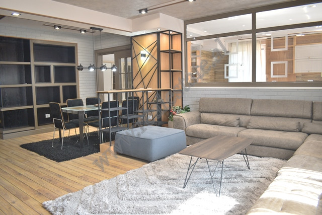 Apartament 2+1 modern prane rruges Myslym Shyri ne Tirane