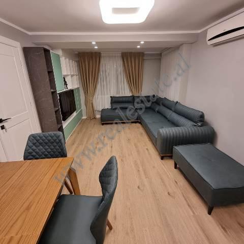 Apartament 2+1 me oborr me qira prane rruges Siri Kodra ne Tirane