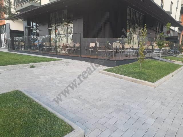 Lokal me qira ne zonen e Astirit ne Tirane