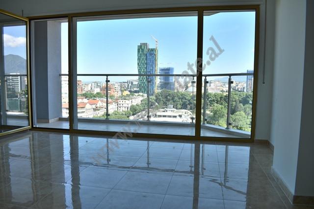 Ambient zyre me qira prane zones se Bllokut ne Tirane
