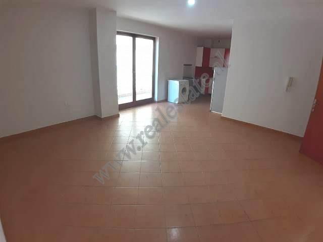 Apartament 2+1 per shitje ne Bulevardin Zogu I ne Tirane