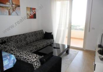 Apartament 1+1 ne shitje te Uji Ftohte ne Vlore. Apartamenti ndodhet ne katin e III te nje kompleks