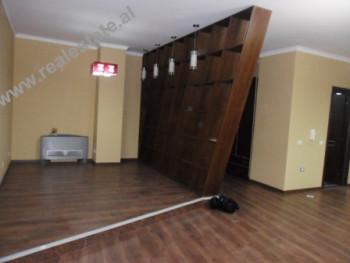Apartament 3+1 ne shitje ne rrugen Tish Daija ne Tirane. Apartamenti ndodhet ne katin e VI te nje pa