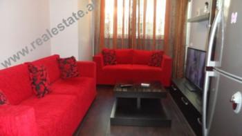 Apartament 1+1 modern me qera prane ish-Ekspozites Shqiperia Sot ne Tirane. Kjo prone ju ofron nje