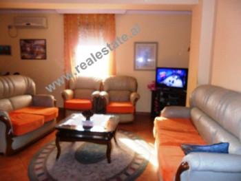 Apartament 1+1 ne shitje ne rrugen Shefqet Musaraj ne Tirane. Apartamenti ndodhet ne nje zone te qe