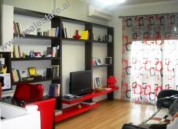 Apartament 1+1 me qera ne rrugen Pjeter Budi ne Tirane. Apartamenti ndodhet ne katin e IX-te te nje