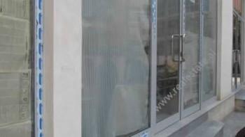 Dyqan ne shitje ne rrugen Haxhi Hysen Dalliu ne Tirane. Dyqani prane Prokurorise se Tiranes, ne rru
