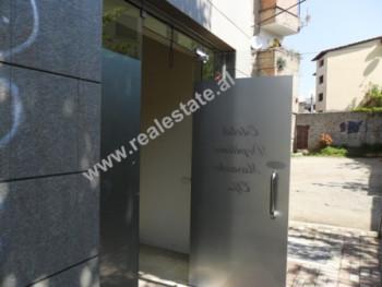 Dyqan ne shitje ne rrugen Pjeter Budi ne Tirane. Dyqani ndodhet ne fillimin e rruges Pjeter Budi.