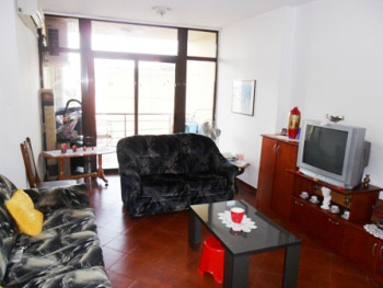 Apartament for sale in Globe Shopping Center.