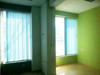 Store space for rent near to the Orthodox Church in Tirana.
