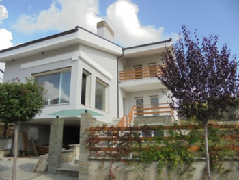 Three storey villa for rent near Tirana East Gate, TEG.The house is located in one of the most known