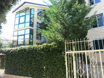 Villa for rent near Elez Isufi Street.