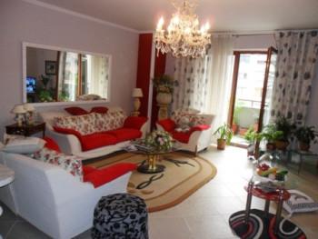 Apartament me qera prane stacionit te Trenit ne Tirane. Ndodhet ne katin e 8-te ne nje pallat te ri