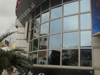 Business store for rent in Zogu i Zi Square in Tirana.