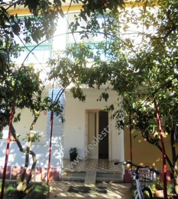 Villa for rent near Linkoln Center 1 in Tirana.The house is near the center of the city, in one of t