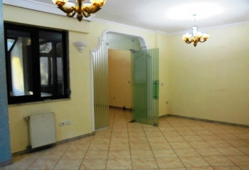 Office space for rent in Donika Kastrioti street in Tirana.It is situated on the 2-nd floor in a new