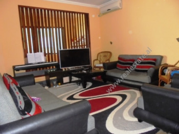 Apartament me qera ne rrugen Pjeter Bogdani ne Tirane. Lokalizohet ne nje nga zonat me te preferuar